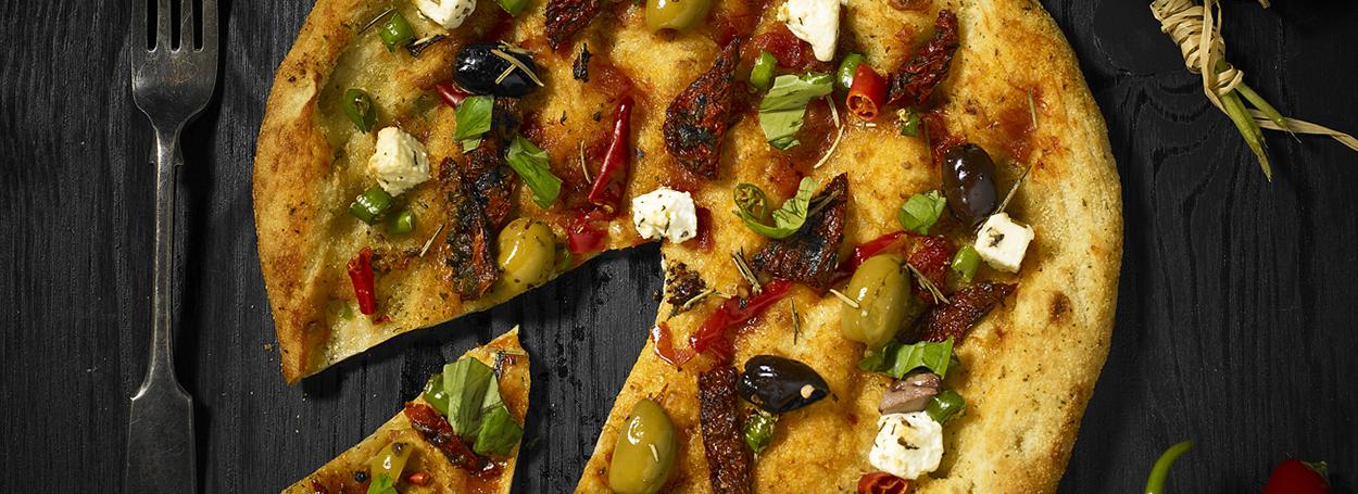 Healthy green olive & feta pizza