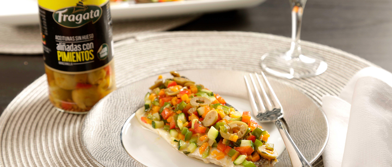 Lubina en Papillote con Verduras y Aceitunas - Fragata