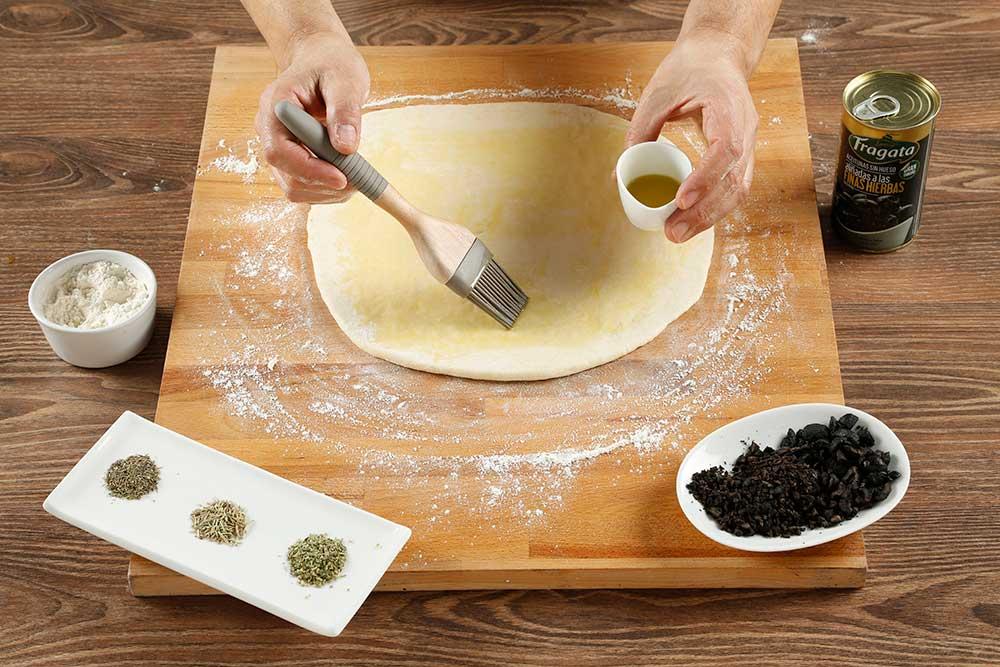 Paso 5 grisines con aceitunas, parmesano y romero