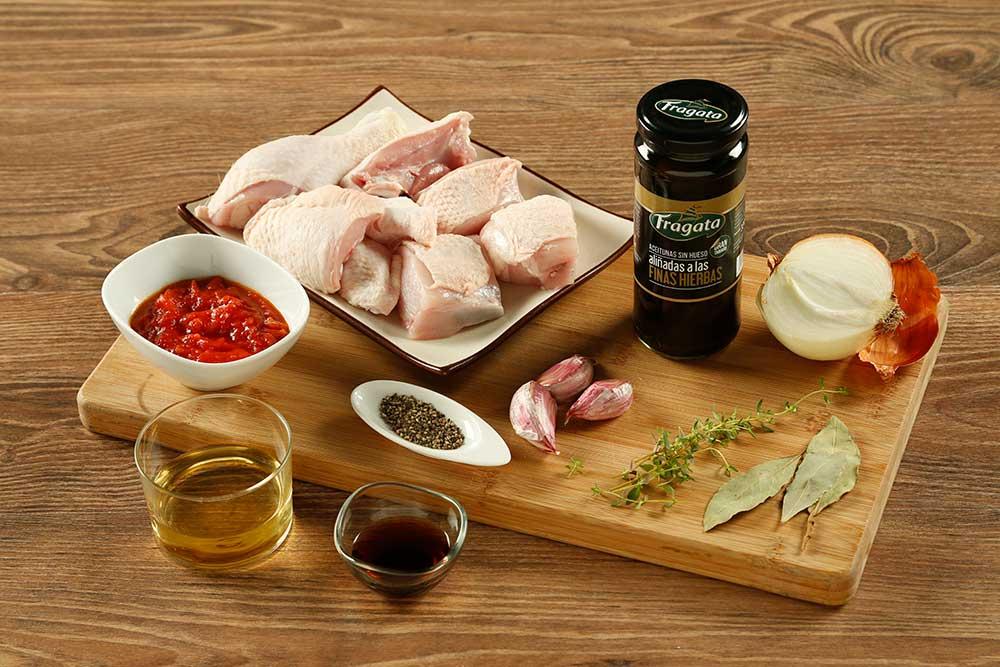 Primer paso de receta de pollo con aceitunas Fragata