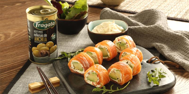 Riquísimos falsos makis de salmón con aceitunas Fragata